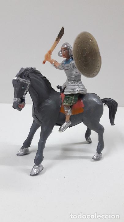 Figuras de Goma y PVC: SAMURAI A CABALLO - ESCUDO DESMONTABLE . REALIZADO ESTEREOPLAST . SERIE EL JABATO . ORIGINAL AÑOS 60 - Foto 3 - 209156246
