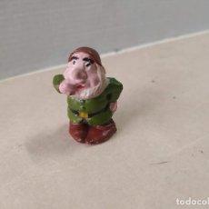 Figurines en Caoutchouc et PVC: FIGURA DE GOMA ENANITO WALT DISNEY PECH. Lote 209580183