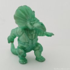 Figuras de Goma y PVC: DINOSAURIO TRICERO DINOSAUCERS DINOPLATIVOLOS, DE YOLANDA. Lote 209713671