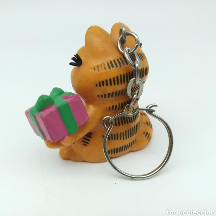 Figuras de Goma y PVC: Garfield con regalo 1978 1981 United Feature Syndicate, Bully, llavero - Foto 2 - 210057837