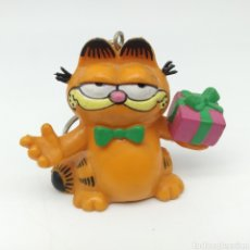 Figuras de Goma y PVC: GARFIELD CON REGALO 1978 1981 UNITED FEATURE SYNDICATE, BULLY, LLAVERO. Lote 210057837