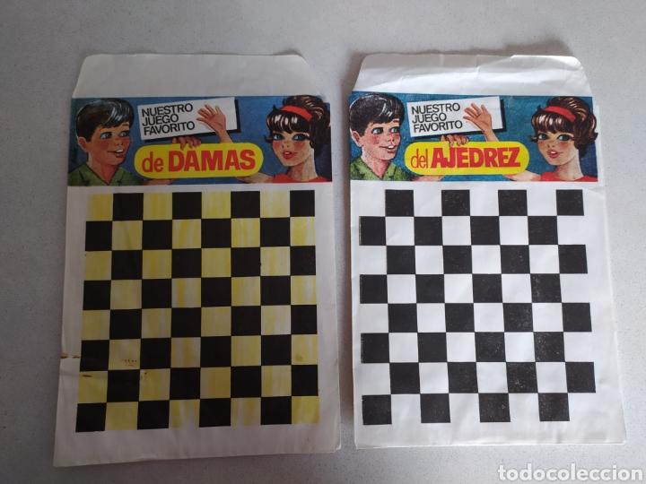 LOTE DE DOS SOBRES MONTAPLEX DAMAS Y AJEDREZ (Juguetes - Figuras de Goma y Pvc - Montaplex)