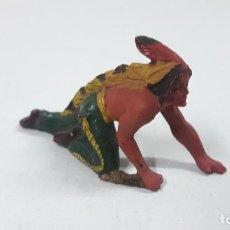 Figuras de Goma y PVC: GUERRERO INDIO CON PUÑAL ARRASTRANDOSE . REALIZADO POR REAMSA . AÑOS 50 EN GOMA. Lote 210271228