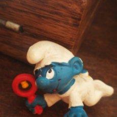 Figuras de Goma y PVC: FIGURA PVC PITUFO BEBE SONAJERO- SCHLEICH (W.GERMANY) PEYO, AÑOS 80'S.. Lote 210287503