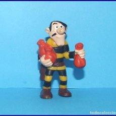 Figuras de Goma y PVC: LUCKY LUKE HERMANO DALTON FIGURA EN PVC BULLY?. Lote 210329575