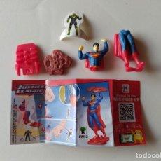 Figuras Kinder: SUPERMAN - JUSTICE LEAGUE - DC COMICS - KINDER - 2020 - CON BPZ Y ENEMIGO. Lote 210421341