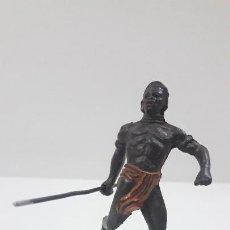 Figuras de Goma y PVC: GUERRERO NEGRO . REALIZADO POR JECSAN . SERIE SAFARI . ORIGINAL AÑOS 50 EN GOMA. Lote 210547132