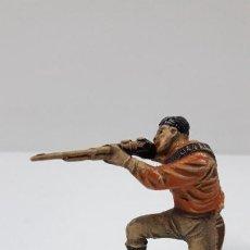 Figuras de Goma y PVC: CAZADOR . REALIZADO POR JECSAN . SERIE SAFARI . ORIGINAL AÑOS 50 EN GOMA. Lote 210547510
