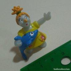 Figuras Kinder: FIGURA FIGURITA DELFIN MUÑECA MARCIANA ?. Lote 210792649