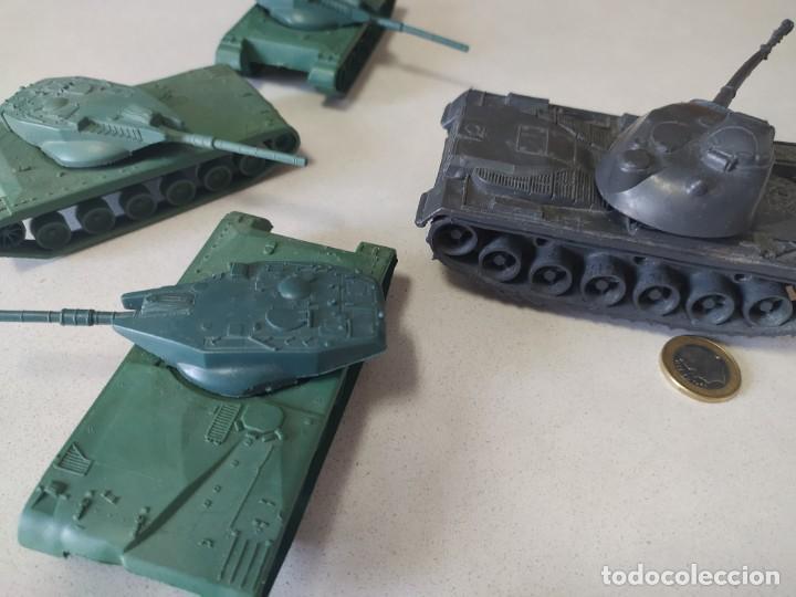 Figuras de Goma y PVC: Tanques de plástico estilo a montaplex - Foto 2 - 210796604