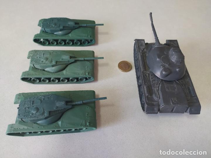 Figuras de Goma y PVC: Tanques de plástico estilo a montaplex - Foto 4 - 210796604