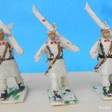 Figuras de Goma y PVC: TRES SOLDADOS EN DESFILE. EJERCITO ESQUIADORES PECH, REAMSA LAFREDO, COMANSI, GOMARSA JECSAN. Lote 210827739
