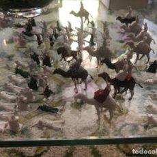 Figuras de Goma y PVC: LOTE DE 140 SOLDADOS MONTAPLEX LEGION EXTRANJERA Y REBELDES ARGELINOS. Lote 211461106