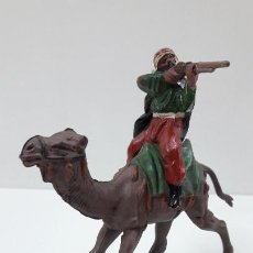Figuras de Goma y PVC: ARABE - BEDUINO EN CAMELLO . REALIZADO POR REAMSA . SERIE LAWRENCE DE ARABIA . AÑOS 50 EN GOMA. Lote 211461791