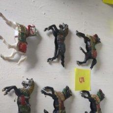 Figuras de Goma y PVC: LOTE CABALLOS NEGROS Y UNO BLANCO. REAMSA. Lote 211621331