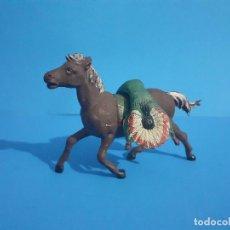 Figuras de Goma y PVC: JEFE INDIO MUERTO A CABALLO. AMBOS DE GAMA . GOMA AÑOS 50. Lote 211624655