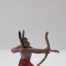 Figuras de Borracha e PVC: GUERRERO INDIO CON ARCO . REALIZADO POR JECSAN . SERIE PEQUEÑA . AÑOS 50 EN GOMA. Lote 211752040