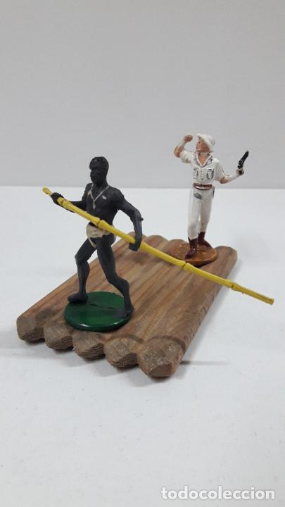 Figuras de Goma y PVC: BALSA CON GUERRERO Y EXPLORADOR . REALIZADOS POR GAMA . ORIGINAL AÑOS 50 - Foto 3 - 211943658