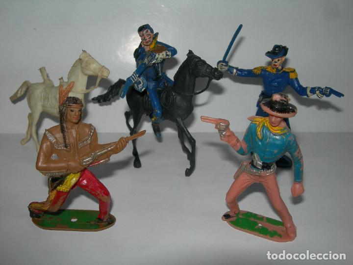 LOTE DE 6 FIGURAS DE COMANSI DE LOS AÑOS 60/70 MÁS 1 DE REGALO - SOLDADOS, INDIO, VAQUERO, CABALLO - (Juguetes - Figuras de Goma y Pvc - Comansi y Novolinea)