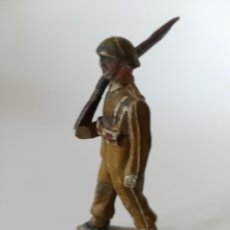 Figuras de Goma y PVC: RARA FIGURA SOLDADO COLOM BASTE CON FUSIL. Lote 211977112