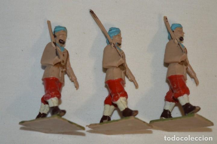 Figuras de Goma y PVC: 07 Soldados en desfile / TROPAS COLONIALES / Del tipo SOLDIS / Sobre 7 Cm. altura ¡Raros/difíciles! - Foto 7 - 212012703