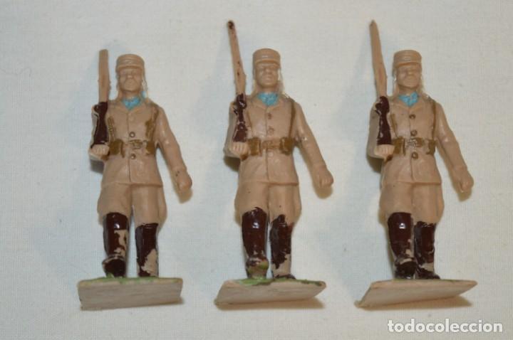 Figuras de Goma y PVC: 07 Soldados en desfile / TROPAS COLONIALES / Del tipo SOLDIS / Sobre 7 Cm. altura ¡Raros/difíciles! - Foto 8 - 212012703