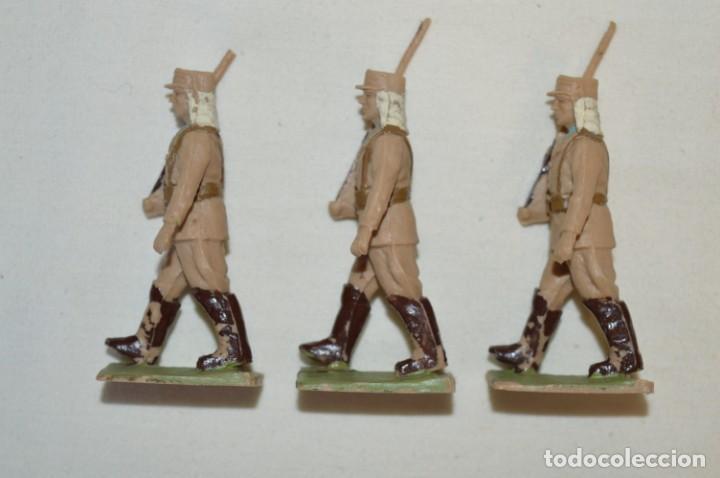Figuras de Goma y PVC: 07 Soldados en desfile / TROPAS COLONIALES / Del tipo SOLDIS / Sobre 7 Cm. altura ¡Raros/difíciles! - Foto 9 - 212012703