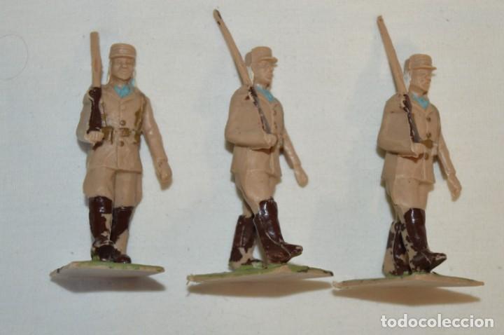 Figuras de Goma y PVC: 07 Soldados en desfile / TROPAS COLONIALES / Del tipo SOLDIS / Sobre 7 Cm. altura ¡Raros/difíciles! - Foto 11 - 212012703