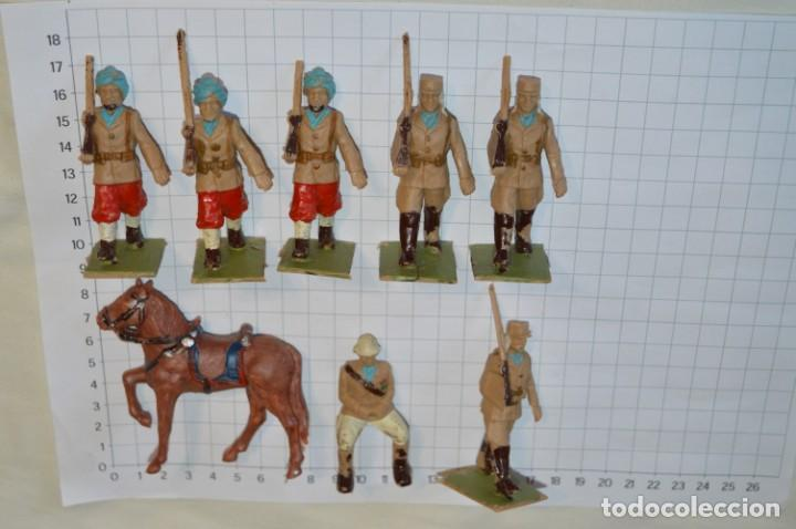 Figuras de Goma y PVC: 07 Soldados en desfile / TROPAS COLONIALES / Del tipo SOLDIS / Sobre 7 Cm. altura ¡Raros/difíciles! - Foto 3 - 212012703