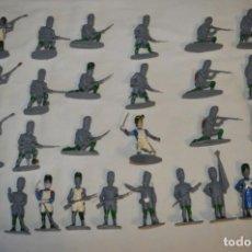 Figuras de Goma y PVC: 28 SOLDADOS FRANCESES / GUERRAS NAPOLEÓNICAS / SOBRE 6 CM. ALTURA ¡MIRA FOTOS Y DETALLES!. Lote 212016382