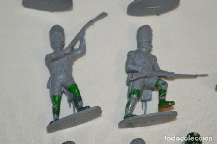Figuras de Goma y PVC: 28 Soldados FRANCESES / Guerras NAPOLEÓNICAS / Sobre 6 Cm. altura ¡Mira fotos y detalles! - Foto 8 - 212016382