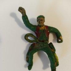 Figuras de Goma y PVC: VAQUERO SOTORRES GOMA. Lote 212182752