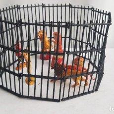 Figuras de Goma y PVC: LOTE ANIMALES, JAULA, DOMADORES Y BASES CIRCO JECSAN, HECHO EN GOMA. JECSAN. Lote 212438647