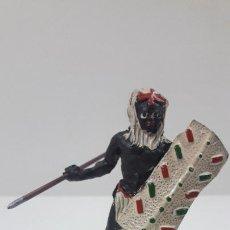 Figuras de Goma y PVC: GUERRERO AFRICANO NEGRO . REALIZADO POR ARCLA . SERIE GUERREROS AFRICANOS . ORIGINAL AÑOS 50 EN GOMA. Lote 212517458