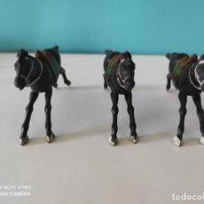 Figuras de Goma y PVC: REAMSA LOTE DE 3 CABALLOS VAQUEROS. Lote 212594072