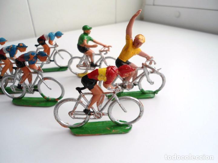 Figuras de Goma y PVC: LOTE 12 FIGURAS DE PLASTICO DE SOTORRES - PELOTON CICLISTAS - VUELTA CICLISTA - AÑOS 60 - Foto 2 - 212724991