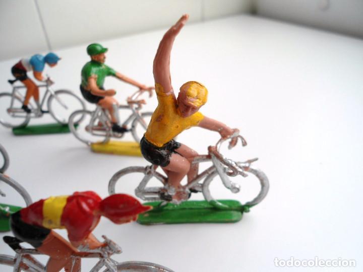 Figuras de Goma y PVC: LOTE 12 FIGURAS DE PLASTICO DE SOTORRES - PELOTON CICLISTAS - VUELTA CICLISTA - AÑOS 60 - Foto 3 - 212724991