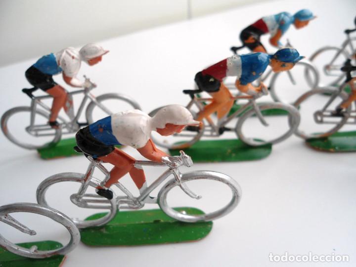Figuras de Goma y PVC: LOTE 12 FIGURAS DE PLASTICO DE SOTORRES - PELOTON CICLISTAS - VUELTA CICLISTA - AÑOS 60 - Foto 8 - 212724991