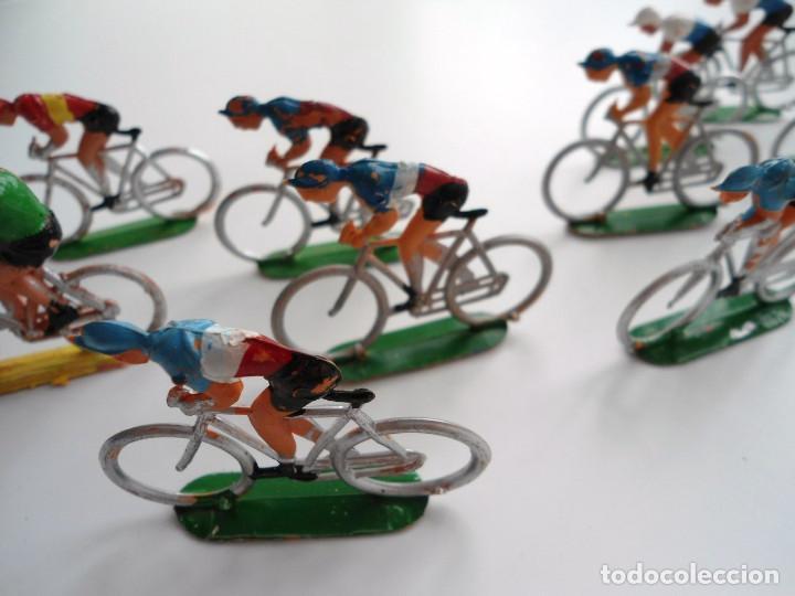 Figuras de Goma y PVC: LOTE 12 FIGURAS DE PLASTICO DE SOTORRES - PELOTON CICLISTAS - VUELTA CICLISTA - AÑOS 60 - Foto 11 - 212724991
