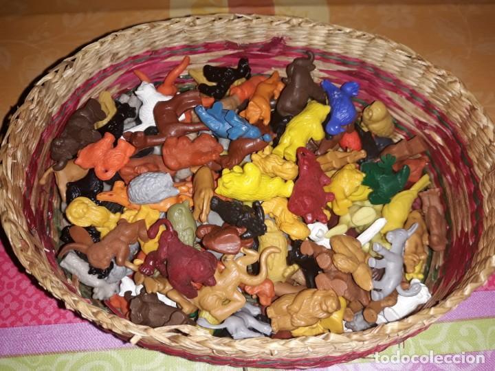 CAJA CON 170 FIGURAS DUNKIN DE LOS SESENTA- SETENTA DE ANIMALES VARIADOS . (Juguetes - Figuras de Goma y Pvc - Dunkin)