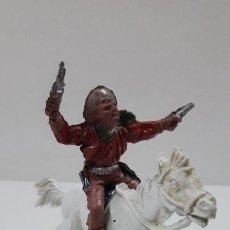 Figuras de Goma y PVC: VAQUERO A CABALLO . REALIZADO POR LAFREDO . AÑOS 50 EN GOMA , ALTURA A CABALLO 6,8 CM. Lote 212902636