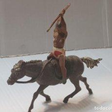 Figuras de Goma y PVC: FIGURA INDIO A CABALLO CON LANZA EN GOMA DE GAMA. Lote 213100453