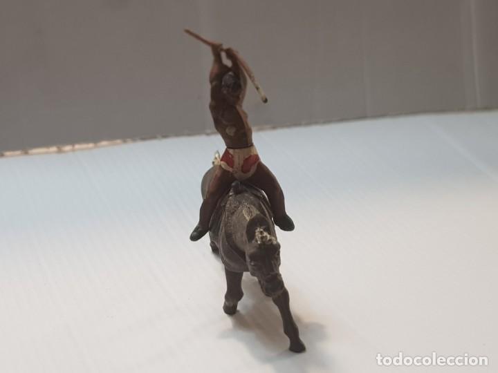 Figuras de Goma y PVC: Figura Indio a Caballo con Lanza en Goma de Gama - Foto 3 - 213100453