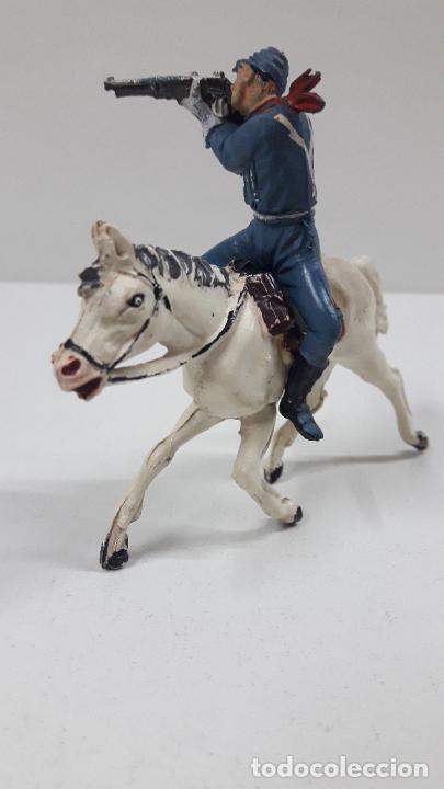 Figuras de Goma y PVC: SOLDADO FEDERAL A CABALLO . REALIZADO POR PECH . ORIGINAL AÑOS 50 EN GOMA - Foto 2 - 213453711