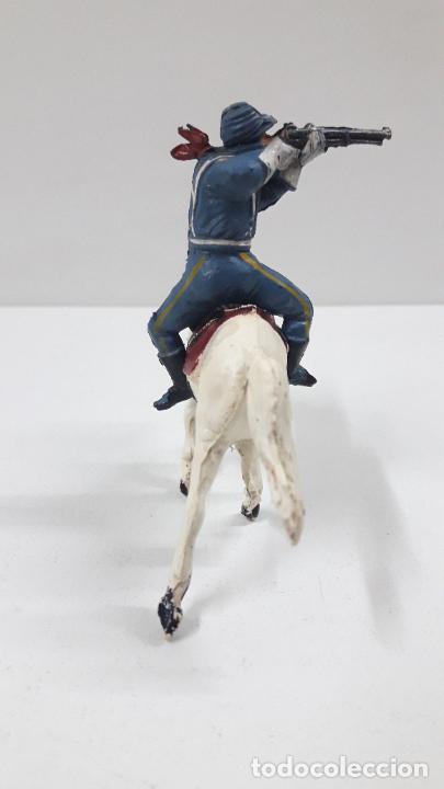 Figuras de Goma y PVC: SOLDADO FEDERAL A CABALLO . REALIZADO POR PECH . ORIGINAL AÑOS 50 EN GOMA - Foto 4 - 213453711
