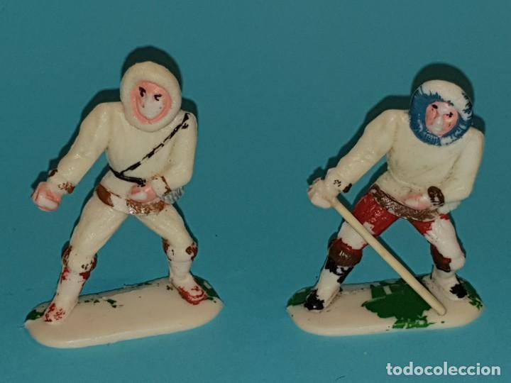 Figuras de Goma y PVC: VARIAS FIGURAS ESQUIMALES de SOTORRES, plástico, año 1957. - Foto 4 - 213617688