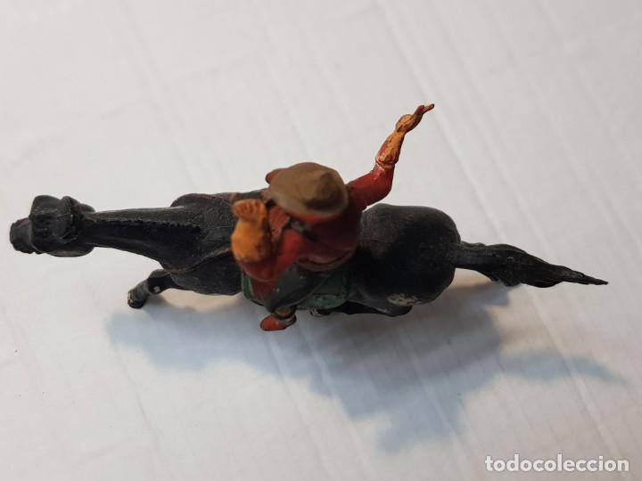 Figuras de Goma y PVC: Figura Goma Policía Montada del Canada de Gama - Foto 3 - 213883262