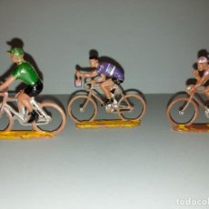 Figuras de Goma y PVC: LOTE 3 CICLISTAS- DE PLASTICO DE SOTORRES - VUELTA CICLISTA - AÑOS 60. Lote 214012266