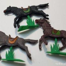 Figuras de Goma y PVC: FIGURA CABALLOS CON PEANA JECSAN LOTE 3 ESCASOS. Lote 214368846