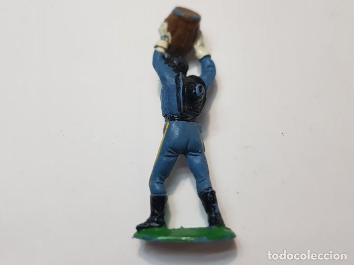 Figuras de Goma y PVC: Figura Yankee con Barril de Comansi - Foto 2 - 214370672